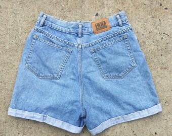 Vintage 90s Liz Wear High Rise High Waist Light Denim Shorts - Size 12