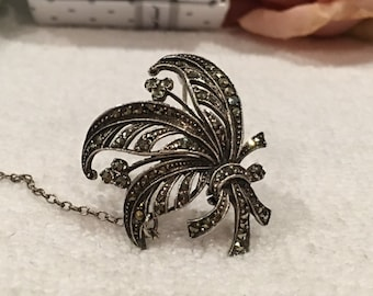 Outstanding Vintage Art Deco 1940's Sterling Silver & MARCASITE Brooch/Pin-Beautiful Bunch of FERN Leaves With Small Flowers-Safety CHAIN
