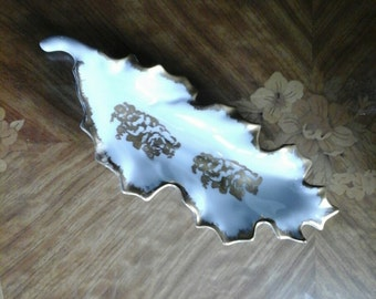 Tray Limoge porcelaine leaf design hand painted France
