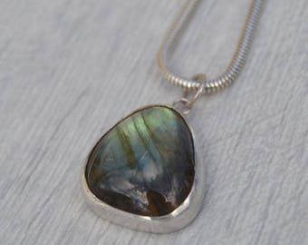 Labradorite Necklace, Labradorite Pendant, Sterling Silver Necklace, Labradorite, Precious Stones, Mystical Jewellery, Statement Jewellery,