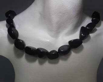 Necklace natural irregular onyx stones without closure