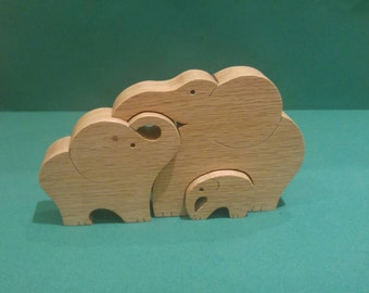 Oak elephant family, family of 3 solid wood elephnants. Wooden ornaments. Wooden animal puzzle.