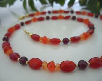 Gemstone necklace carnelian, Garnet & gold