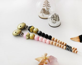 Snowflake Gold pacifier clip