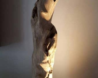Grande sculpture lumineuse sculpté fait de ce beau morceau de bois flotté blanc