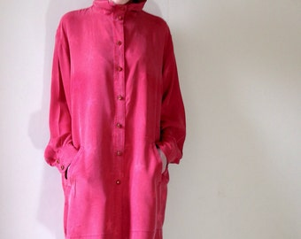 1980s pure silk red star glam rock shirt dress. Size 6/8/10