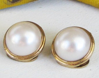 Vintage Faux Pearl Clip On Earrings Gold Tone