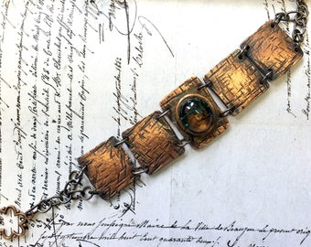 Hammered textured  copper link bracelet copper jewellery hand crafted tarnished boho bohemian copper bracelet with glass pebble Gift for Her