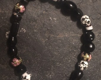 Black and white glass and ceramic beaded stretchy bracelet