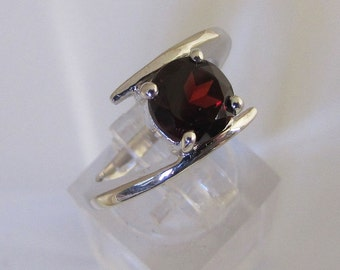 Silver Garnet ring - 925 sterling silver jewelry ring rhodium stone natural Semi precious - Womens gift