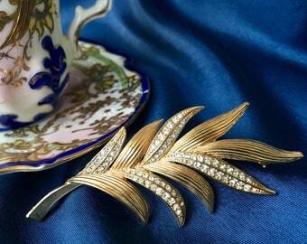 Vintage Gold Tone and Rhinestone Leaf Brooch, Vintage Brooch, Vintage Pin, Gold Brooch, Gold Pin, Rhinestone Brooch, Rhinestone Pin