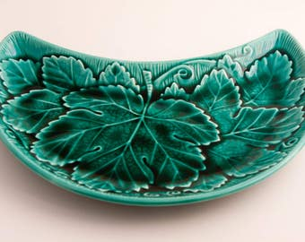 Green Majolica Salad Plate Cresent Shaped by Wedgwood Marked Etruria & Barlaston England