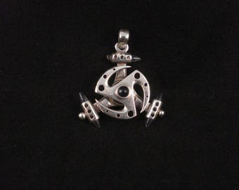 Unusual Rotating Indian Silver Pendant With Moonstone