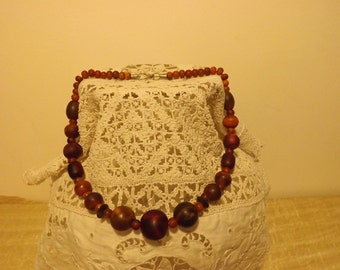 Former collar falling cherry color amber bakelite