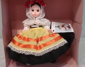 Madam alexander dolls Greece 565