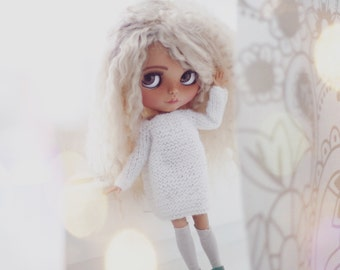 Oversize knitted sweater for custom Blythe doll outfit Blythe collection doll clothes Handmade for custom doll dress
