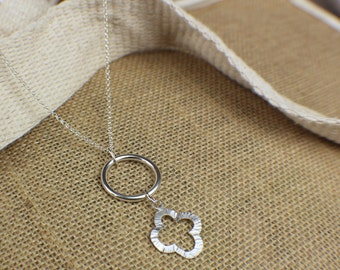 Delicate circle and flower silver pendant necklace