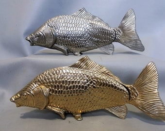 Two signed napkin holder in the shape of a fish gold plated and silver plated -  A modello depositato Italy - mid 20th century table pieces
