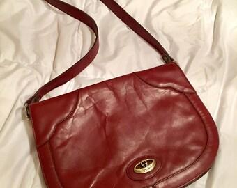 Vintage Etienne Aigner handbag! Classic bag! (Oxblood color)