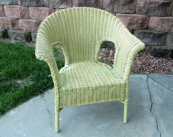 Vintage Charming Summer Cottage Green Sage Wicker Chair Seating Dining Shabby Chic