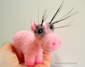 Needle felted pink hippo with long eyelashes, Miniature pretty girl hippo, Gift for hippopotamus lover, Statuette eco friendly toy animal