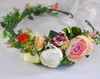 Wedding hair crown Flower headband Woodland wedding Flower accessories Flower wreath Summer wedding Floral hair crown Wedding halo bridal