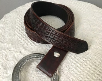 Custom leather ring belt