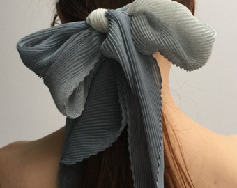 SALE * Vintage Scarf Chiffon-type Material Ribbed/Pleating Gradient Fade Colour Light/Mid Grey Blue Narrow Neck Scarf Party Pleats Please St