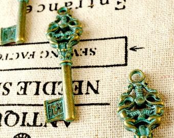 Key charm 2 bronze patina vintage style ornate jewellery supplies C143
