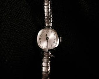 Vintage Timex Sliver Tone Women's Watch