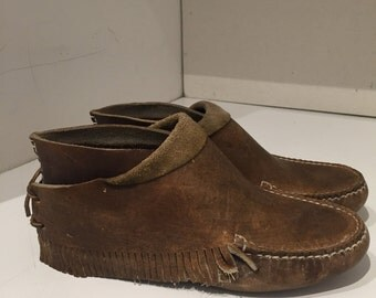 RARE LL BEAN moccasins leather mint condition size 38 size 8 Fringe Original 1980s Native American inspired shoe