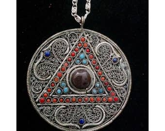 Vintage Morocco Pendant Neckkace Silver Tone Glass Cabs Ethnic Middle East Evil Eye Indian Pretty Piece