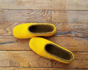 Women slippers, wool felt slippers, felted home shoes, felt slippers, eco slippers,  Christmas gift, home shoes, handmade slippers