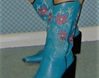 Ladies cowboy boots