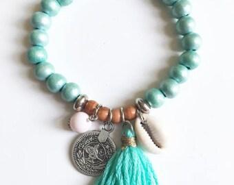Boho Sea shell bracelet & green pompon