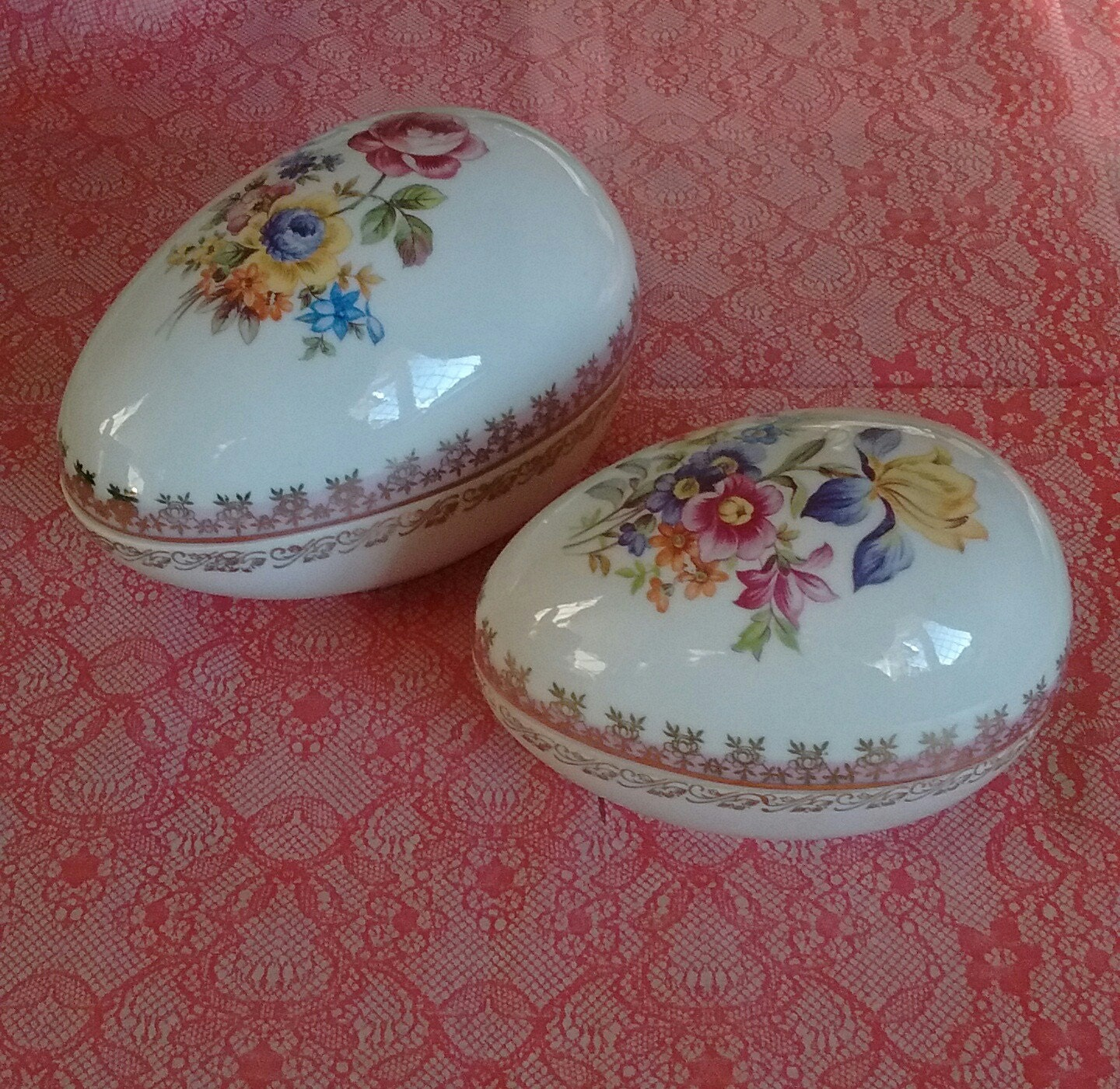 Dresden egg shaped trinket boxes with gold gilt edges for Design your own egg boxes
