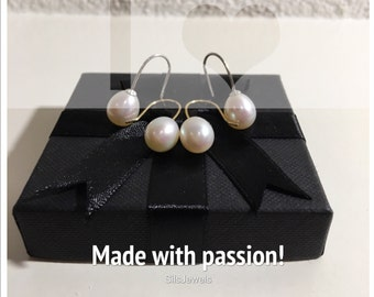 Beautiful freshwater pearls AAA quality. High quality white/ivory pearls earrings, the pearls are 8-8.5 mm.