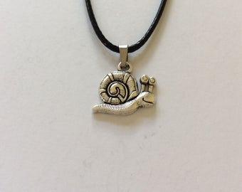 Snail necklace / snail jewellery / animal necklace / animal jewellery / animal lover gift