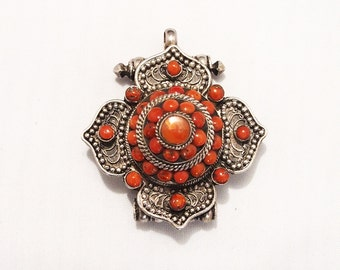 Antique poison pendant in silver 925 certi with coral stones