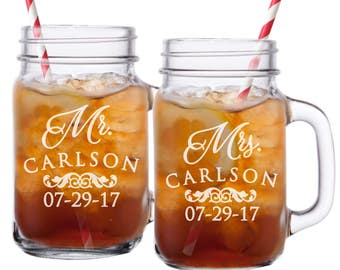 Mr and Mrs Mason Jar Glasses, Personalized Mason Jars, Mr and Mrs Gifts,  Etched Mason Jar, Gifts for Couples, Engraved Mason Jar, Set of 2