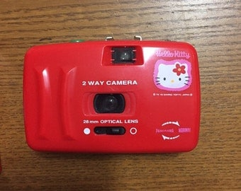 1995 vintage hello kitty camera from Sanrio Japan
