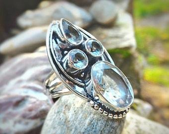 White Topaz ring, rhinestones in this sumptuous jewel, refined and elegant invite