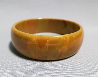 Bakelite Olive Mottled Bangle Bracelet, 13/16 Inches Wide