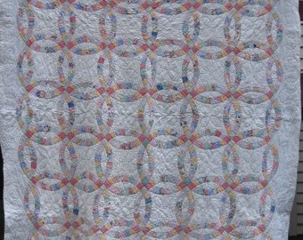 Queen Size 'Double Wedding Ring' Antique Quilt. #17765