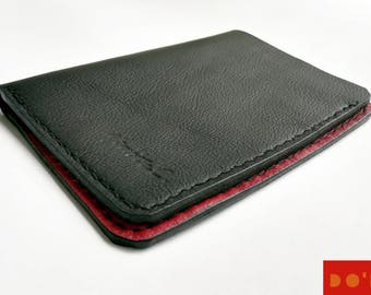 Minimalist bifold black and red leather Wallet