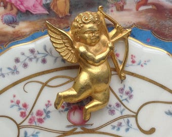 A charming Vintage 1970s Cupid Brooch/Pin