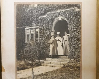 Original Photograph from circ 1900-1920 Nurse Uniform