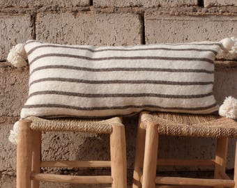 pom pom moroccan cushion,throw pillow,decorative pillow,pillow cover,berber pillow,kilim pillow,vintage pillow,cushion cover,moroccan decor