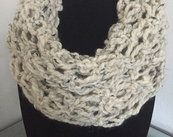 Chunky Wool Blend Infinity Scarf- Crochet Scarf - Infinity Scarf - Unique Pattern - Cream Scarf- Big Scarf - Thick Scarf- Warm Scarf