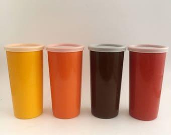 Set of 4 Vintage TUPPERWARE Cups with Leads, Yellow Orange Red Brown / Lot de 4 Pots TUPPERWARE, Jaune Orange Marron Rouge